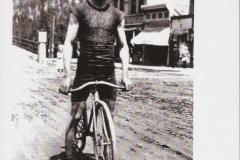 Harold Guesburg, 1915
