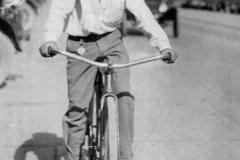 Harold Guesburg, 1926